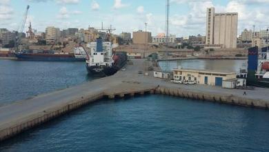 صورة ميناء طبرق يستقبل 3000 طن أسمنت