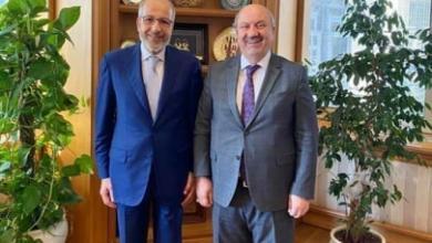 """صورة """"الكبير"""" يواصل اجتماعاته في اسطنبول مع مسؤولي المالية التركية"""