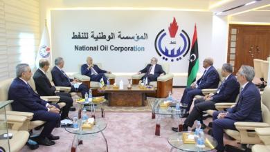 Photo of صنع الله يبحث مع شركة إيني ملف قفل المنشآت النفطية وجائحة كورونا