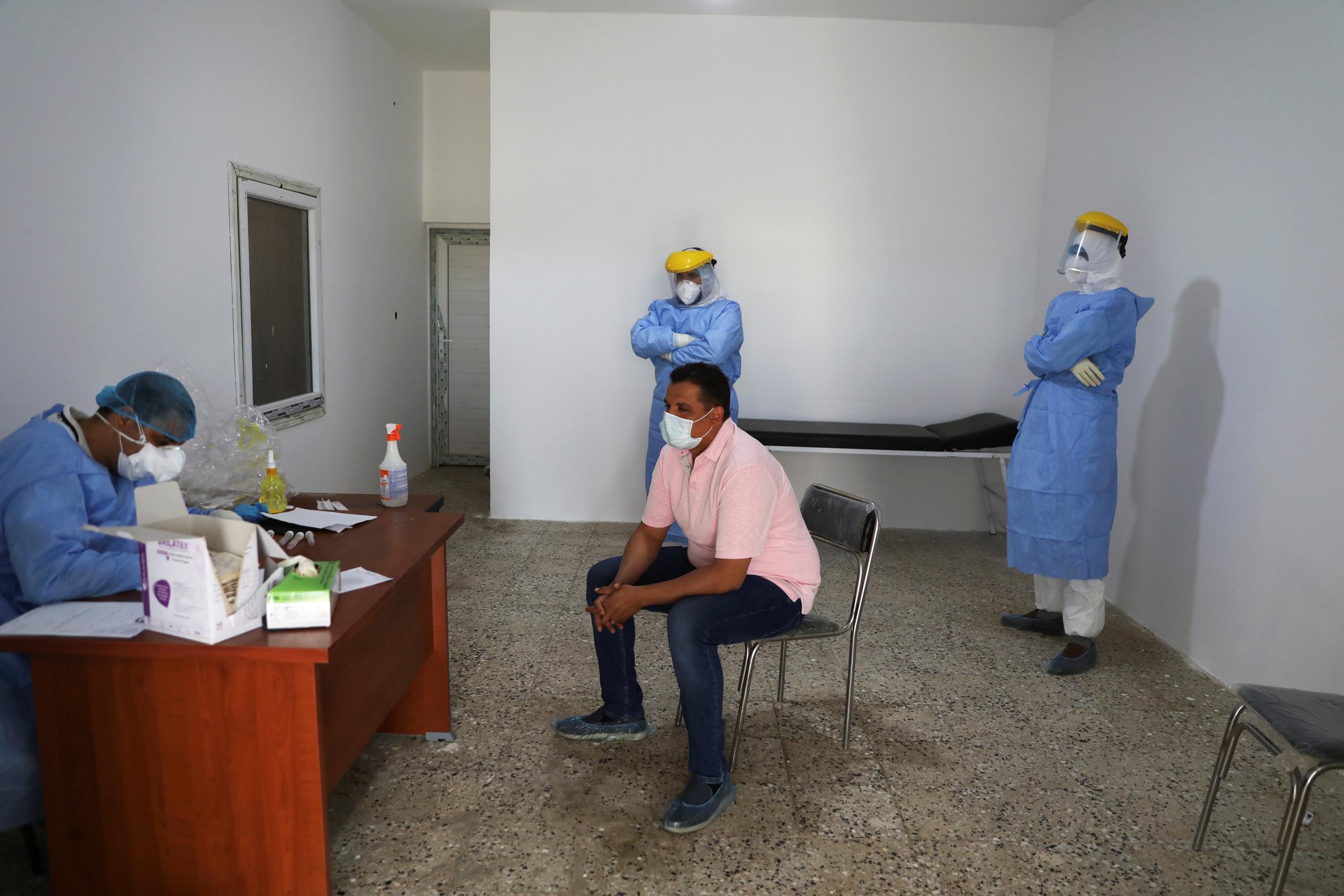 المركز الوطني لمكافحة الأمراض يعلن عبر بيانه رقم 116 عن 22 إصابة جديدة بفيروس كورونا بعد فحص 480 عينة على مستوى ليبيا