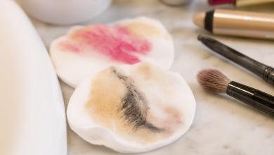 صورة ماذا يحدث إذا لم تزيلي المكياج عن بشرتك يومياً؟