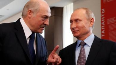 صورة بوتين يجدد تأييده للوكاشينكو.. وماكرون يحذره من التدخل