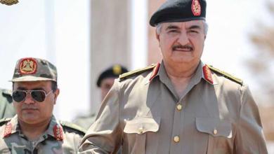 Photo of حفتر يلتقي ضباط غرف العمليات وآمري المناطق العسكرية