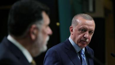 Photo of صحيفة: أردوغان يستغل السراج لاستنزاف موارد ليبيا