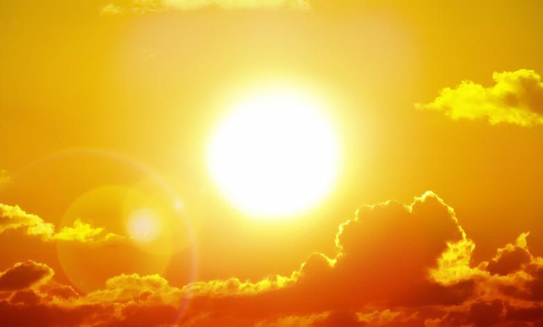 Photo of 3 مناطق تؤذيها أشعة الشمس عندما لا تضعين عليها كريم وقاية