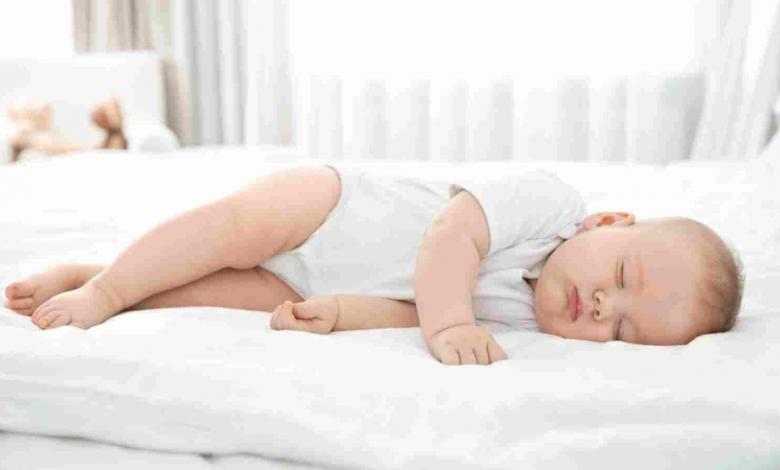 Photo of طفلك لا يستطيع النوم بسبب الحر؟ إليك أفضل الطرق لمساعدته
