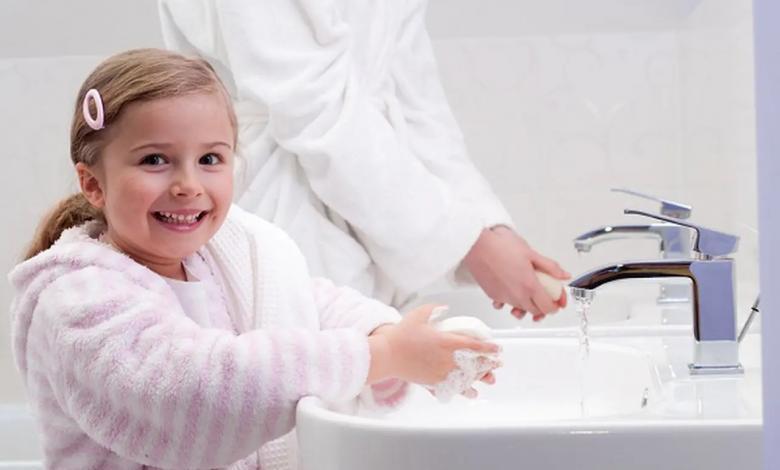 Photo of قواعد النظافة الشخصية.. هكذا تُعلّميها لطفلك في زمن الفيروسات