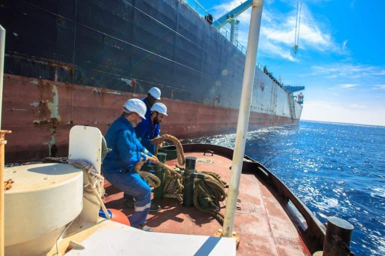 خسائر ليبيا بسبب اقفالات المنشآت النفطية تتجاوز الــ 8 مليارات دولار أميركي
