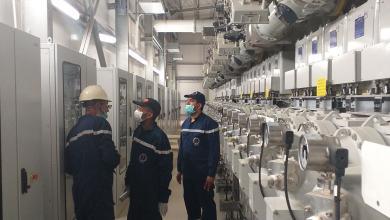 """Photo of الشركة العامة للكهرباء تتابع نسبة الأعمال المنجزة لخط """"أوباري- الفجيج"""""""