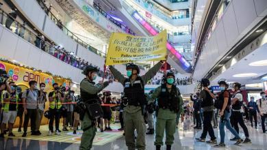 "Photo of سلطات هونغ كونغ تعتقل قطب الإعلام بتهمة ""الخيانة"""