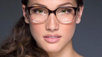 صورة نصائح لمكياج من دون أخطاء عند وضع النظارات الطبية