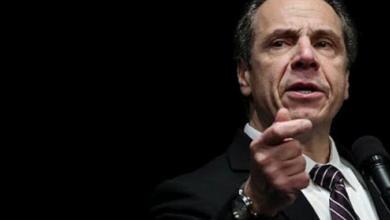 """صورة حاكم نيويورك يتهم """"ترامب"""" بالتسبب في تفشي """"كورونا"""".. وهذه أدلته"""