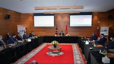 """صورة الفرقاء الليبيون على طاولة """"بوزنيقة"""""""