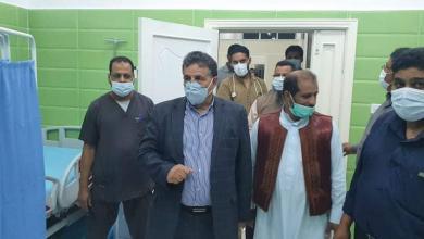 صورة عقوب يطلع على الأوضاع الصحية بمستشفي القيقب القروي
