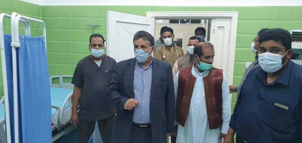 عقوب يطلع على الأوضاع الصحية بمستشفي القيقب القروي
