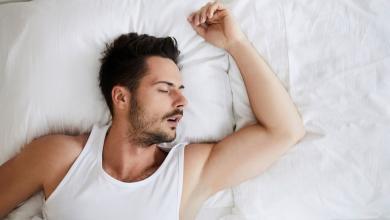 """صورة """"النوم بفم مفتوح"""".. عادة تعرضك لأزمات صحية لن تتوقعها"""