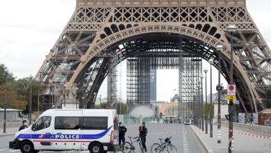 صورة السلطات الفرنسية تخلي برج إيفل للاشتباه بوجود قنبلة