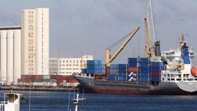 صورة ميناء طرابلس يستقبل 23 ألف طن بنزين و7800 طن إسمنت