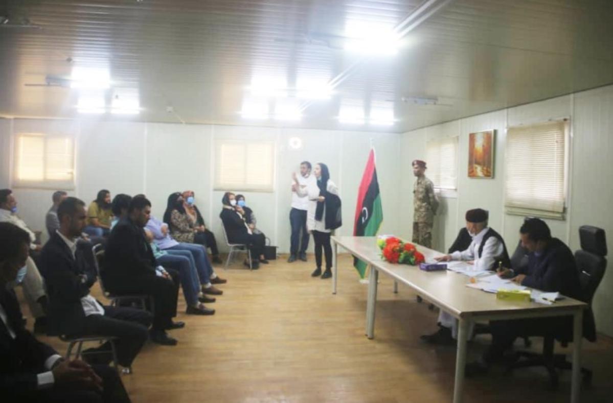 عقيلة صالح يستقبل عدد من النشطاء من مدن المنطقة الشرقية