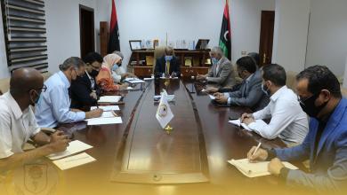 """صورة """"عمل"""" الوفاق تبحث استيعاب الباحثين عن العمل في القطاع الخاص"""