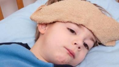 صورة وصفات منزلية لتخفيض درجة حرارة طفلك.. تعرفي عليها