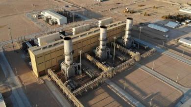 """صورة هيئة الكهرباء تستقبل ناقلة محملة بـ""""الوقود الخفيف"""""""