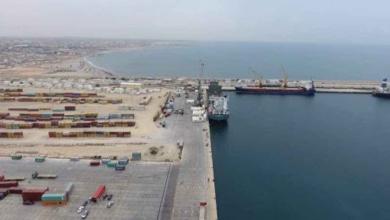 صورة زيادة عوائد المناولة والتخزين 25% بميناء مصراتة