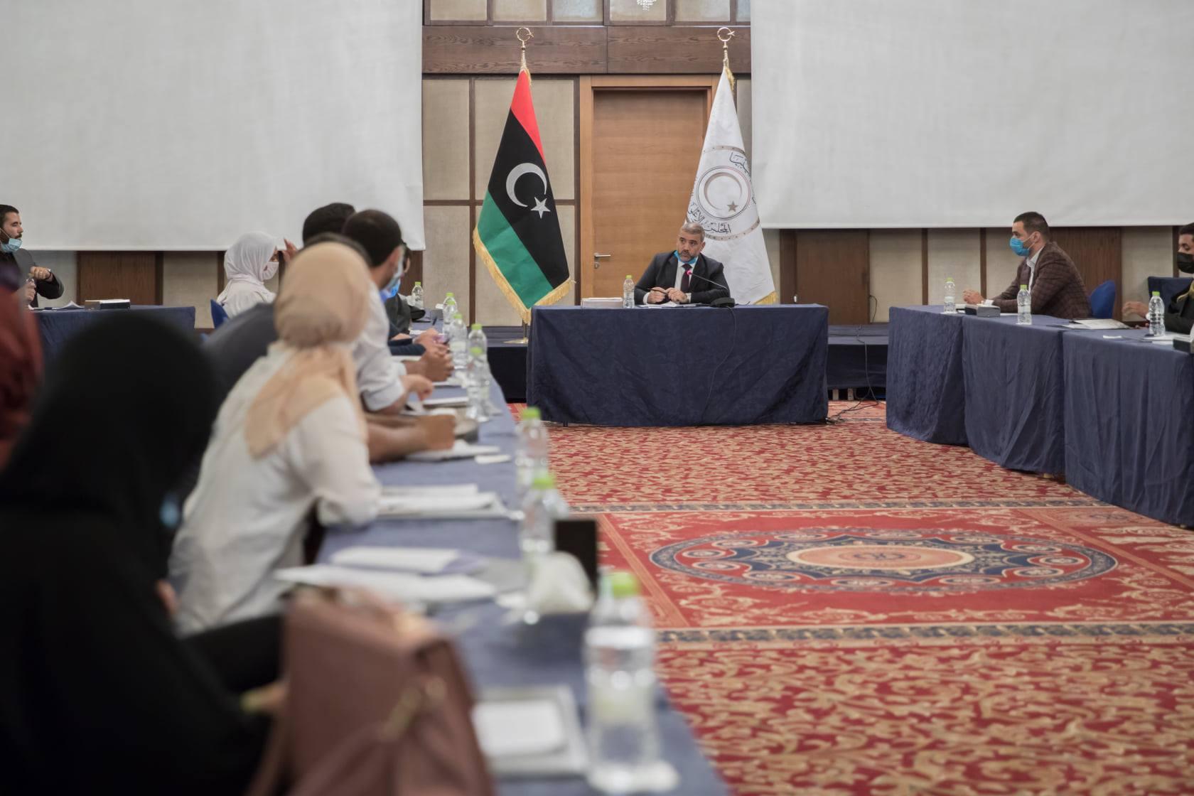 المشري يلتقي نشطاء وأعضاء المجتمع المدني في طرابلس
