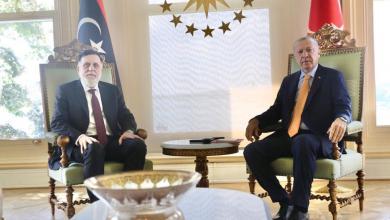 صورة أردوغان يستقبل السراج في اسطنبول