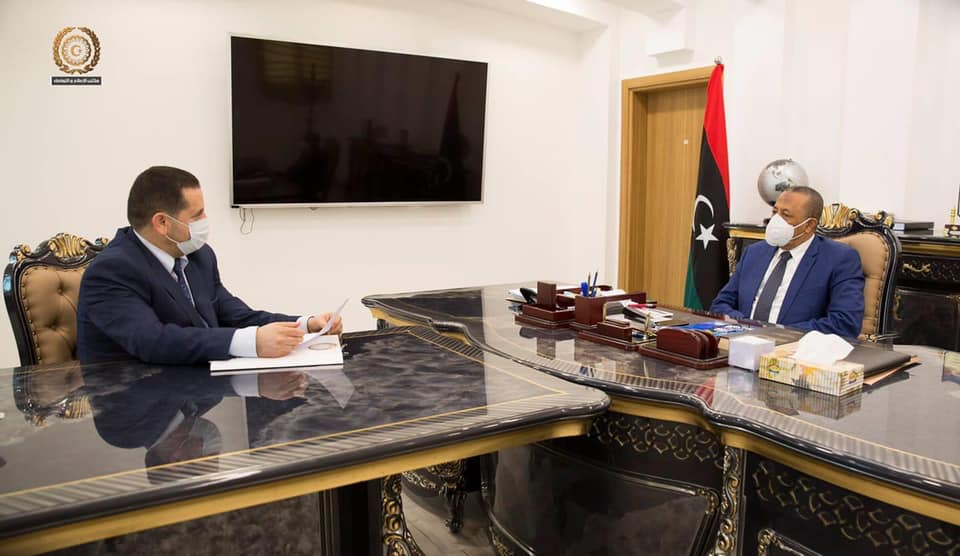 لقاء رئيس الحكومة الليبية عبدالله الثني ووزير الخارجية عبدالهادي الحويج
