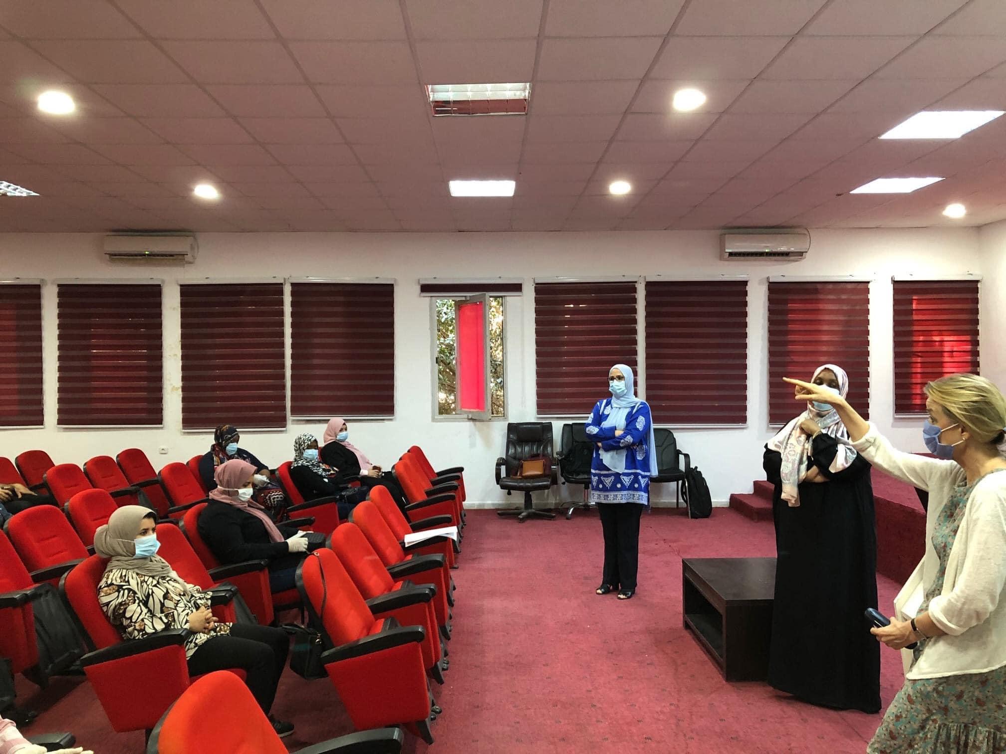 الصحة العالمية تنظم دورات تدريبية حول مكافحة كورونا في ليبيا