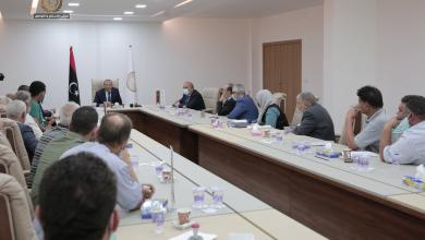 صورة الثني يعقد اجتماعا موسعا رؤساء المجالس المحلية لمناطق بنغازي