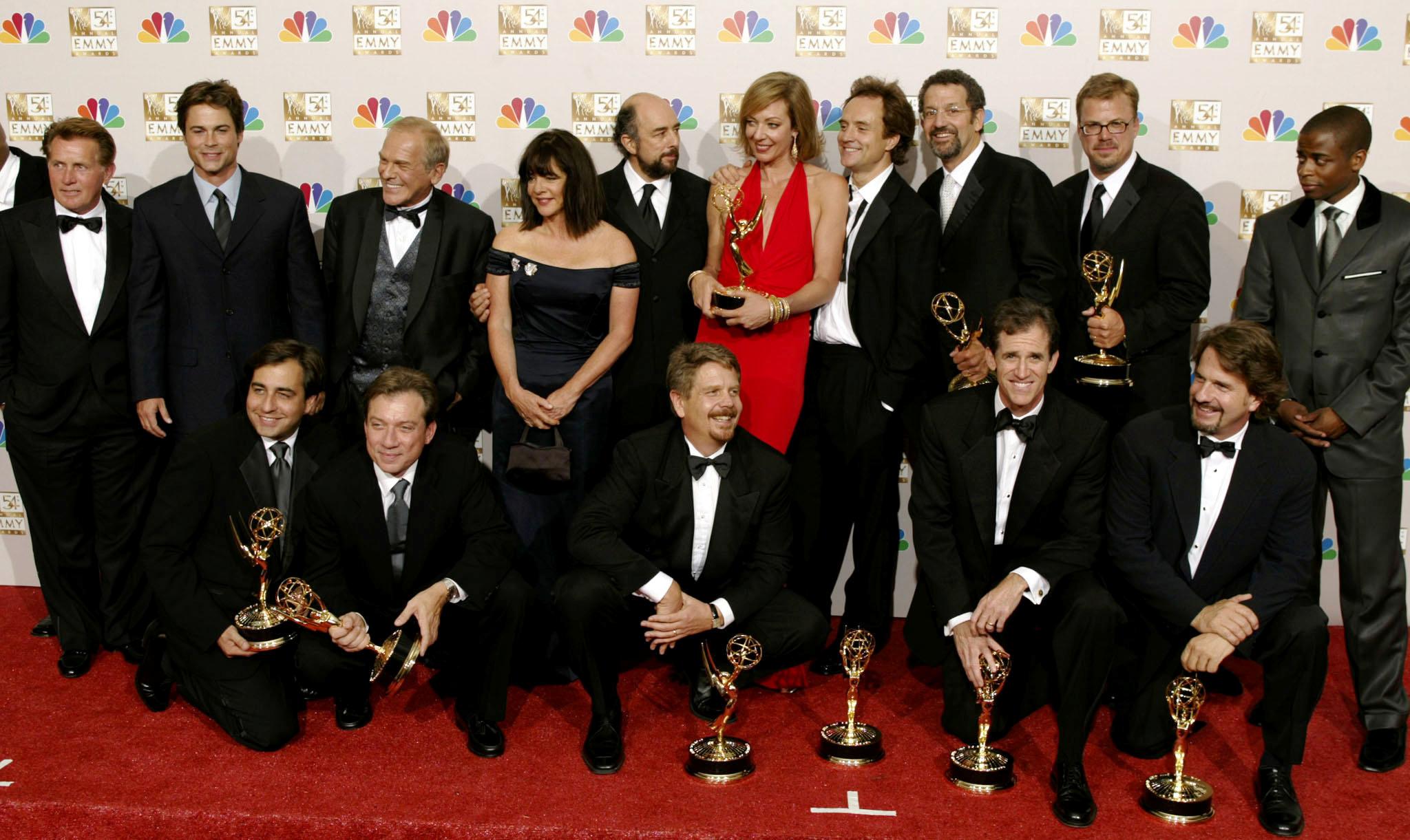 """مسلسلات """"ساكسيشن"""" و""""ووتشمن"""" و""""شيتس كريك"""" تحصد أكبر جوائز إيمي -""""رويترز"""""""