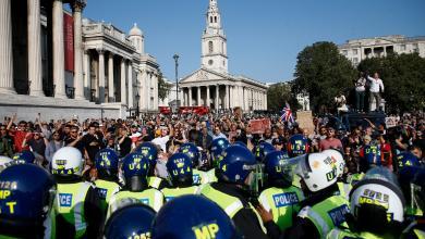 """صورة لندن.. اشتباكات بين الشرطة ومحتجين على """"قيود كورونا""""-((صور))"""