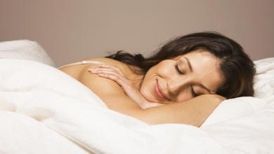 صورة دراسة تؤكد أن النوم ليلاً يؤخّر الإصابة بالزهايمر
