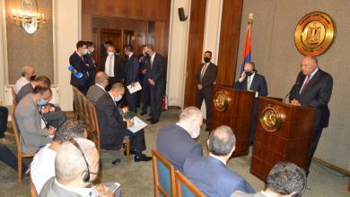 صورة شكري: القاهرة تدعم كل الجهود المبذولة لإنهاء أزمة ليبيا