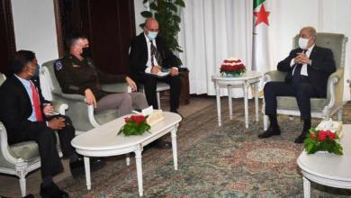 """صورة """"تبون"""" يبحث مع قائد """"أفريكوم"""" سبل حلّ الأزمة الليبية"""