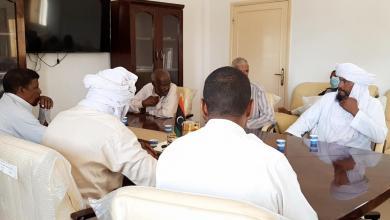 صورة اجتماع طارئ في وادي عتبة لوضع آلية لتوزيع الوقود