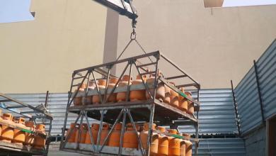 صورة بلدية طرابلس المركز توزّع الخبر والغاز على المواطنين