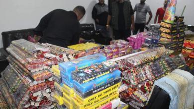 صورة مديرية أمن طرابلس تضبط كميات كبيرة من الألعاب النارية