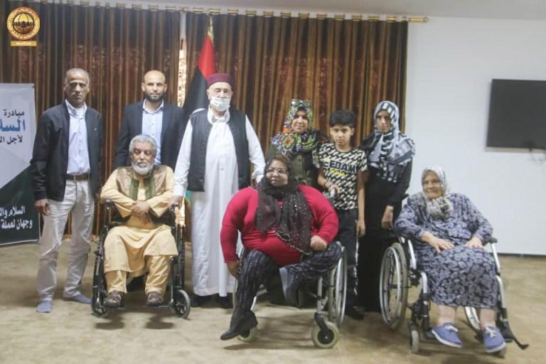 """رئيس مجلس النواب يلتقي بذوي الاحتياجات الخاصة وأعضاء المجلس الاجتماعي الأعلى لبلديات """"القبة -الأبرق- القيقب"""""""