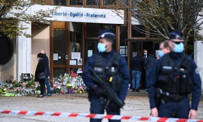 """صورة توجيه تهم لـ6 أشخاص في قضية """"المدرّس الفرنسي"""""""