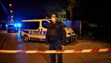 صورة فرنسا تقرر تعزيز أمن المدارس عقب مقتل المدرس