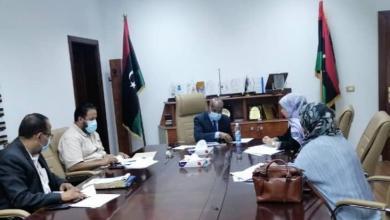 """صورة """"عمل الوفاق"""" تناقش الإفراج عن مرتبات موظفي القطاعات العامة"""