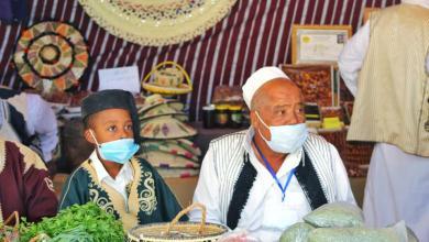 صورة افتتاح المعرض الأول للتمور ومنتجات النخيل في درج