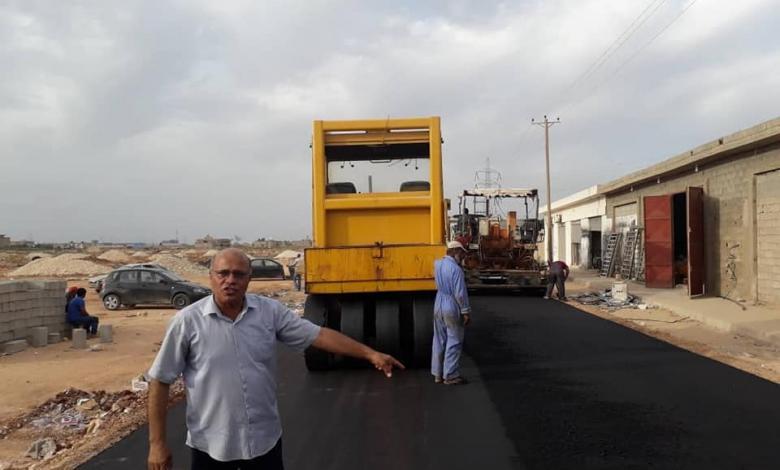 """صورة بلدية بنغازي.. أعمال الرصف تصل إلى""""بوعطني"""""""
