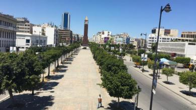 صورة تونس تعود إلى حظر التجول لاحتواء موجة كورونا الثانية
