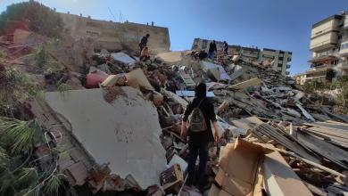 """صورة بعد الزلزال المُدمّر.. """"الوفاق"""" تُطمئن بشأن أوضاع الجالية الليبية في """"أزمير"""""""