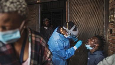 """صورة """"الصحة العالمية"""": إفريقيا تواجه لحظة حاسمة في حربها ضد كورونا"""