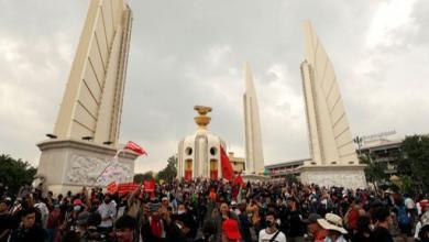صورة مظاهرات حاشدة في ذكرى انتفاضة بانكوك